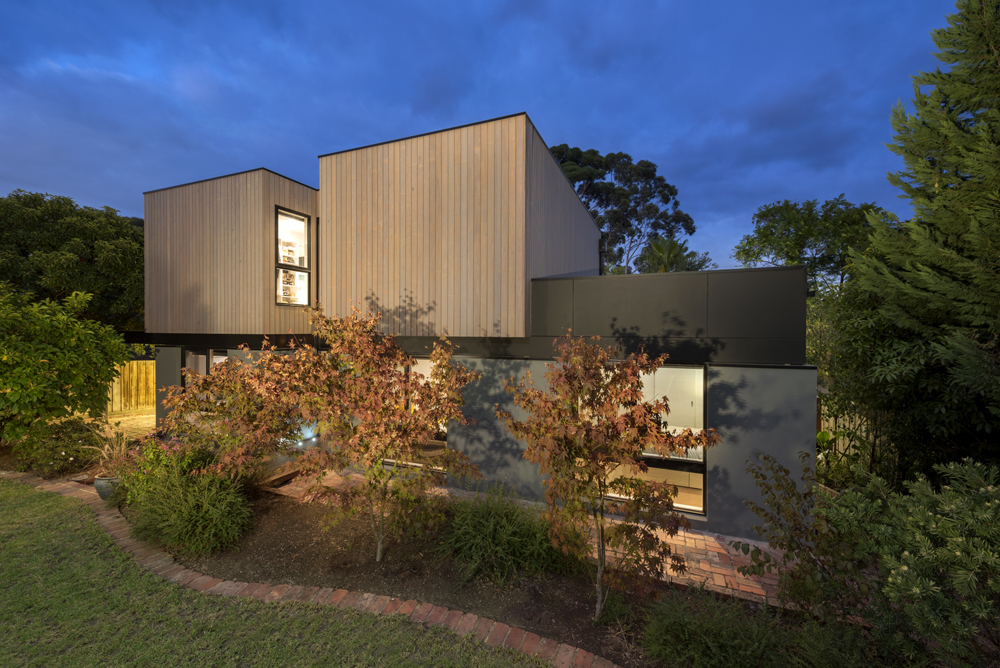 <i>reno, award, timber</i>Second storey eco addition - Mitcham
