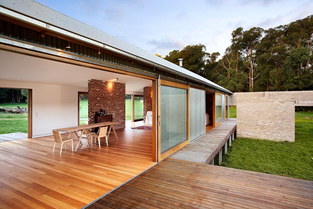 Outside view of an award winning holiday home in Tonimbuk, Australia