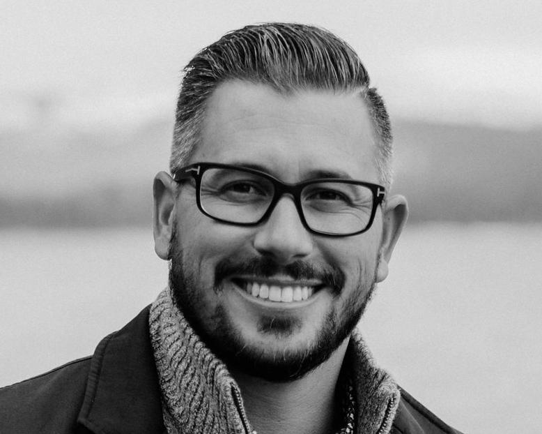 Matt Hussey VP, Group Account Director