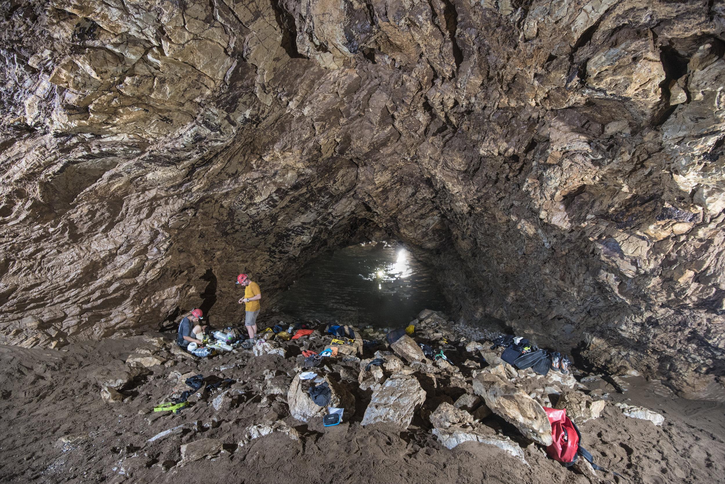 cueva-de-la-pena-colorada_27336679768_o.jpg