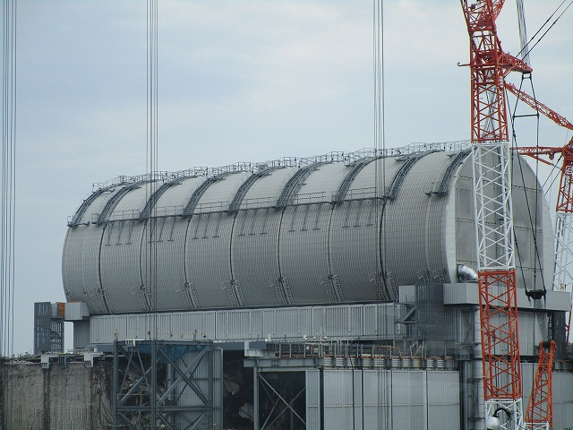 This is the reactor in which filming took place. The cylindrical structure is a new roof to house cranes to undertake the used fuel removal.
