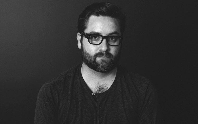 El realizador mexicano Tino de la Huerta estudió en The New School en Nueva York y desarrolló gran parte de su experiencia en agencias como Unique, La Despensa y VICE Media, donde trabajó como  Director Business Developer  liderando Vice Magazine, Virtue Worldwide en todo Latinoamerica y mercado hispano en EE UU. De vuelta en México la inquietud por la dirección lo llevó a rodar la primera campaña de Calvin Klein Underwear filmada fuera de EE UU.