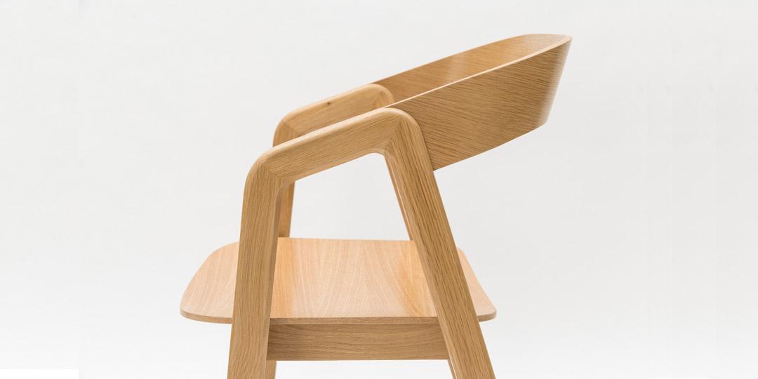 Valby_American_oak_chair.jpg