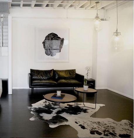 Louis_Black_Leather_DeskSpace_Project82.png