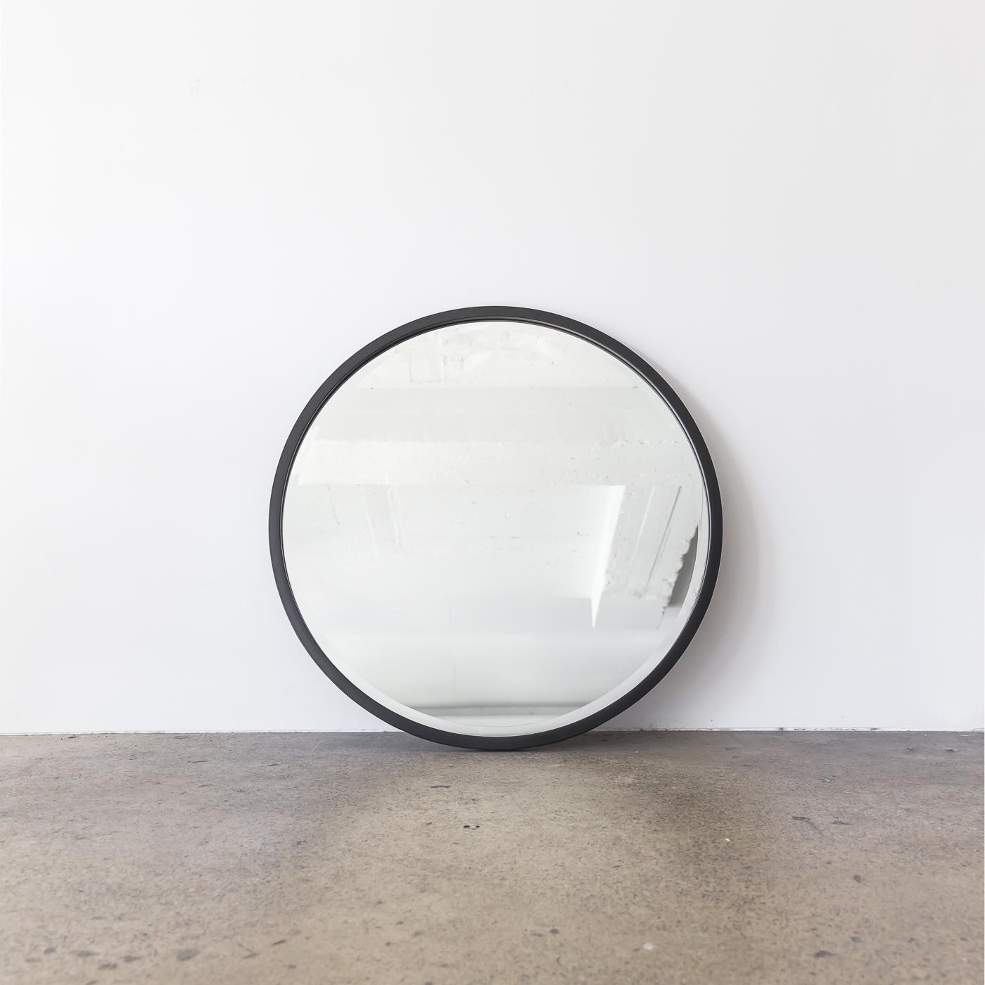 Onyx_Mirror_Small_76cm_Establishing_Project82.jpg