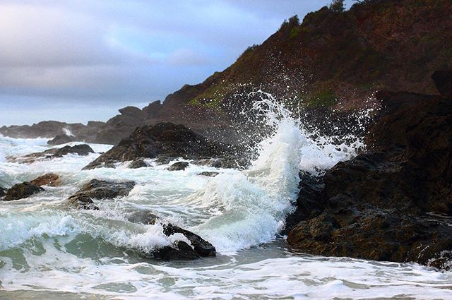 The ocean angrily smashing on the rocks at the base of the coast. • • • • • #waves #ocean #surf #wave #sand #water #coast #seaside #shore #underwater #island #seashore #underwaterphotography #seascape #oceano #horizon #photos #swell #surfphotography #waterfoam #picture #portmacquarie #portmac #rocks #splash #nature #naturephotography #canon #40mm #canoneos700d