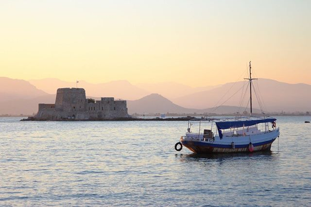 🇬🇷Lazy afternoon at the port. • • • • #greece #travelgreece #nafplio #europe #europetravel #travel #travelphotography #photography #photographer #ocean #water #fishing #afternoon #lostineurope #canon #canonphotography