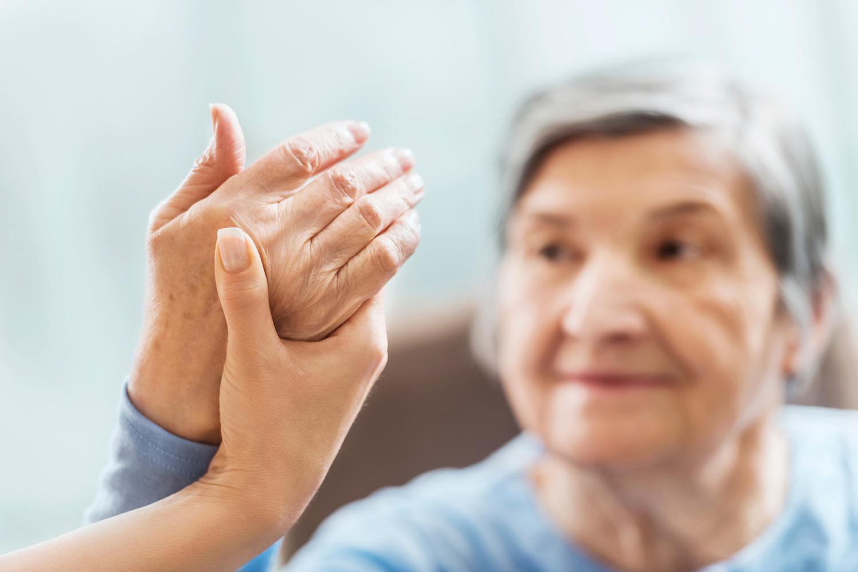 OLD-WOMAN-HANDS.jpg