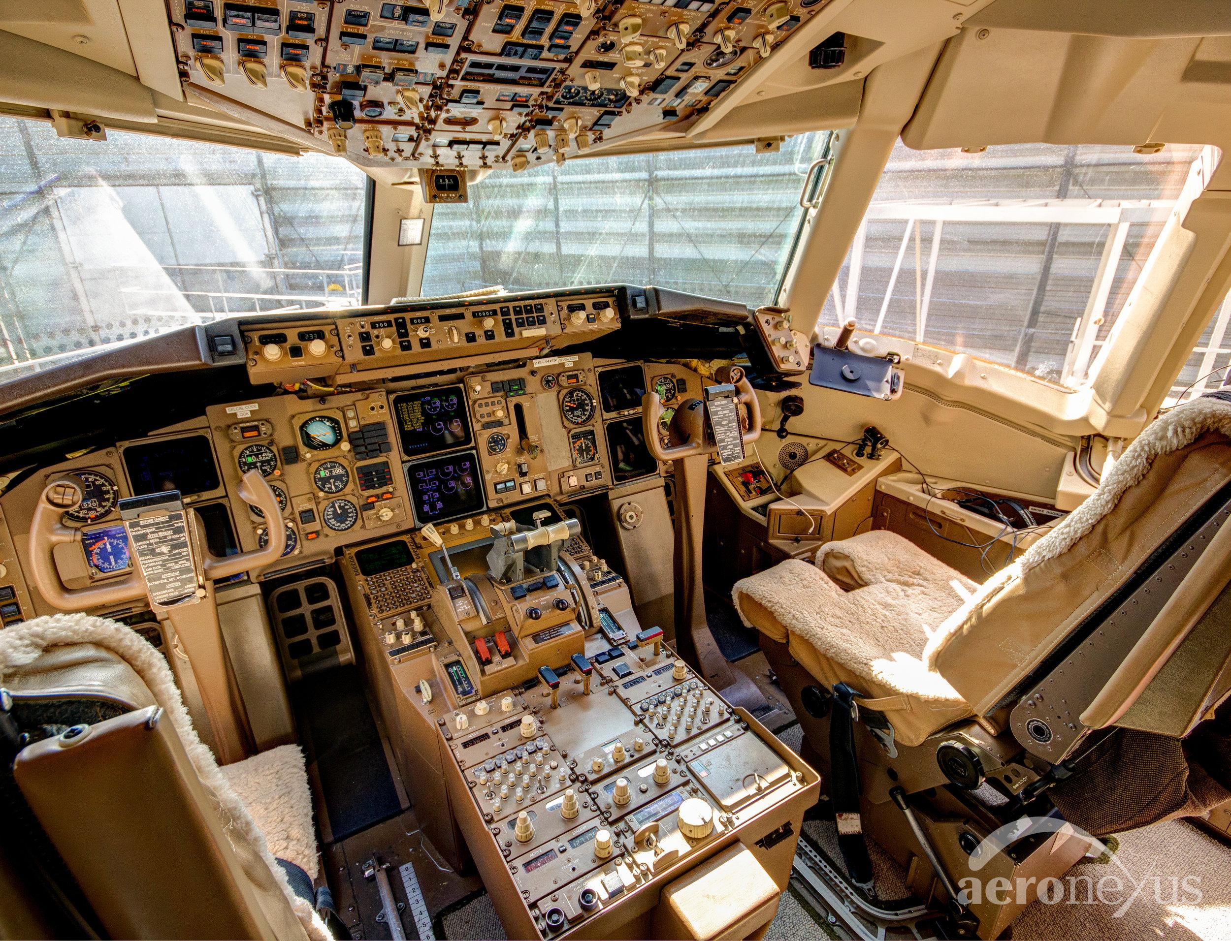 Aeronexus | VIP Boeing 767-300ER | Interior Cockpit