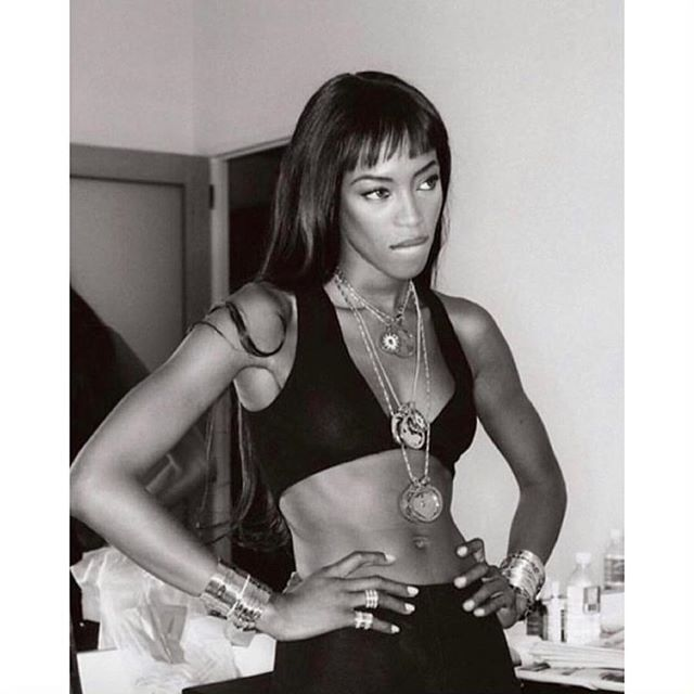 There should be a mood called @naomi - coz I'm fully feeling it! 🖤 Happy Friday! . • • • • • #theheraia #mood #naomicampbell #supermodel #livingmybestlife #liveyourbestlife #fridaymood #goals #bodygoals #worklifebalance #girlboss #bossbabe #werk #fashiondarling #modelbehavior #dontmesswithme #attitude repost @monicarosestyle