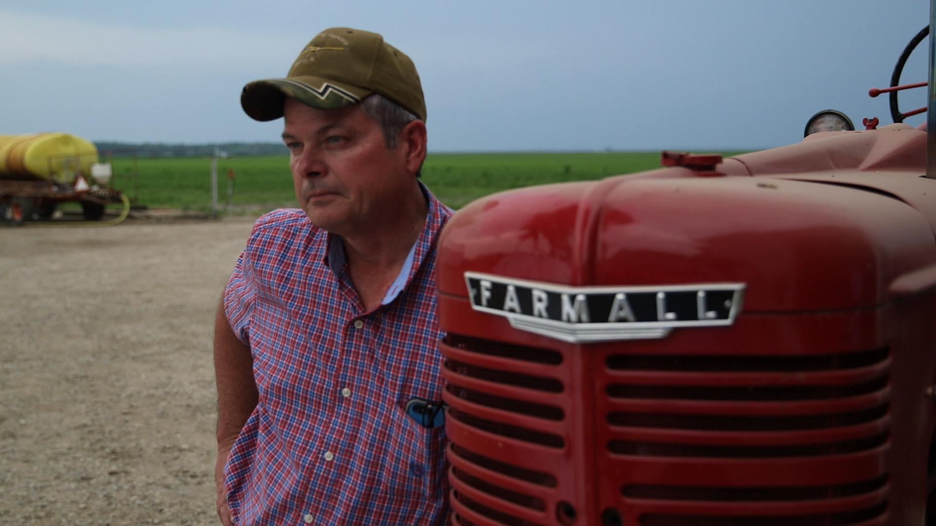 Farmer_Tractor_B4.jpg