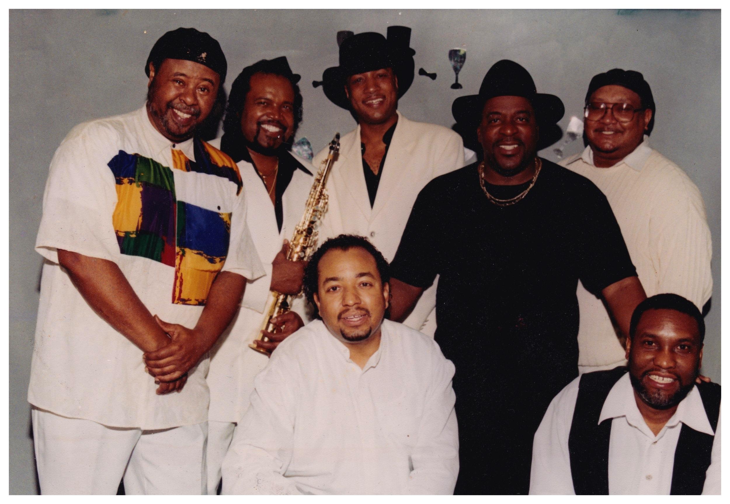[1998] The Wallstreet Band - R. Smith, M. Clayton, P. Harding, B. Bruner, L. Shaw, B. Giles, M. Gray