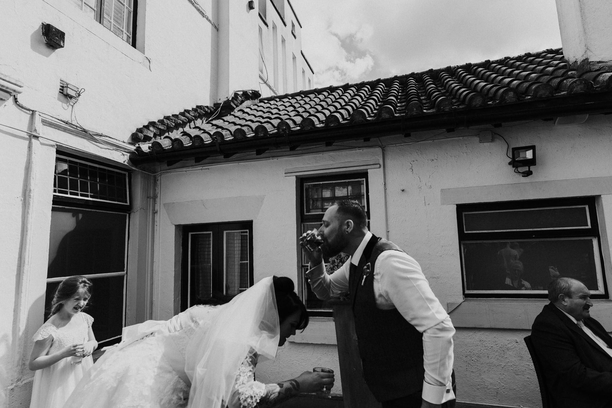 fun-wedding-photography-at-the-belle-epoque-knutsford-wedding-photographer (4).jpg