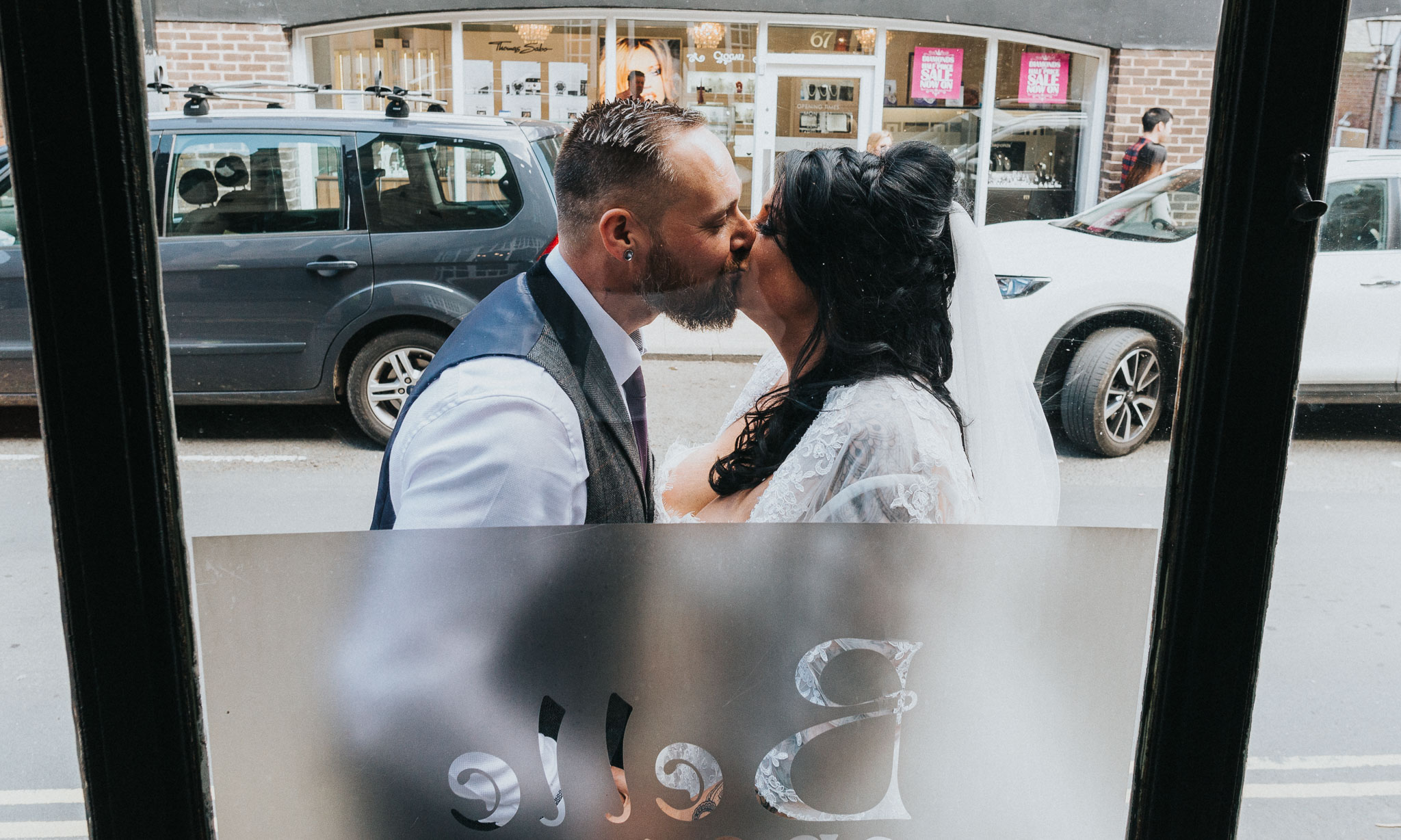 fun-wedding-photography-at-the-belle-epoque-knutsford-wedding-photographer (7).jpg