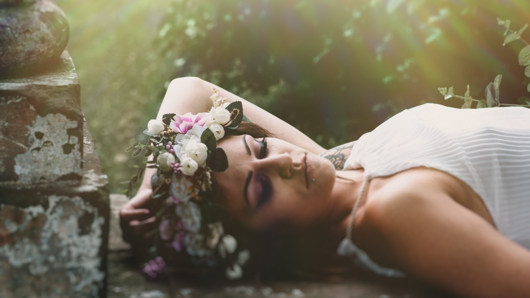 How to plan the real wedding that's...well...really you! A wedding planning guide for the ones who want the alternative wedding