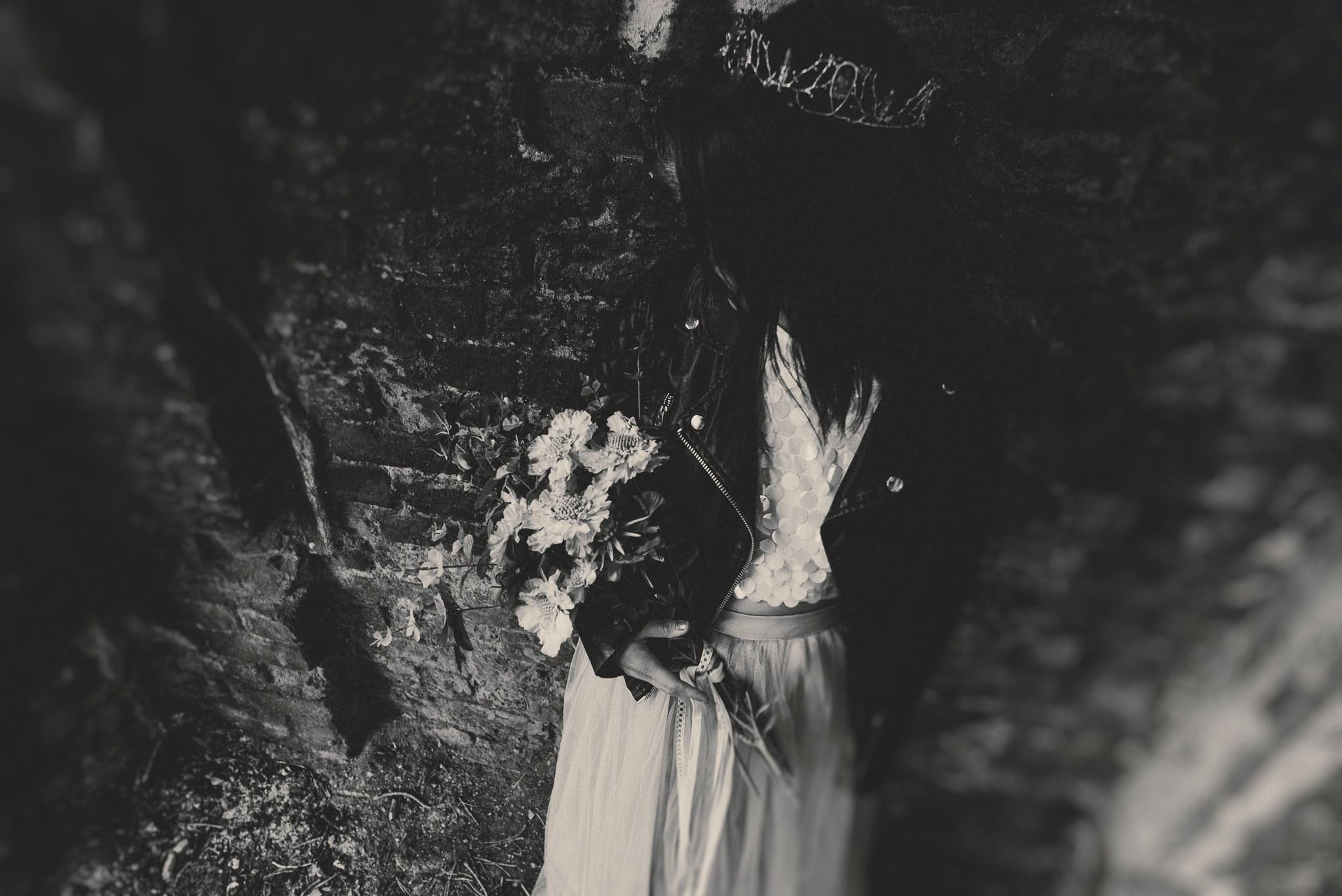 boho-free-spirited-bride-woodland-and-alternative-wedding-photography (3).jpg
