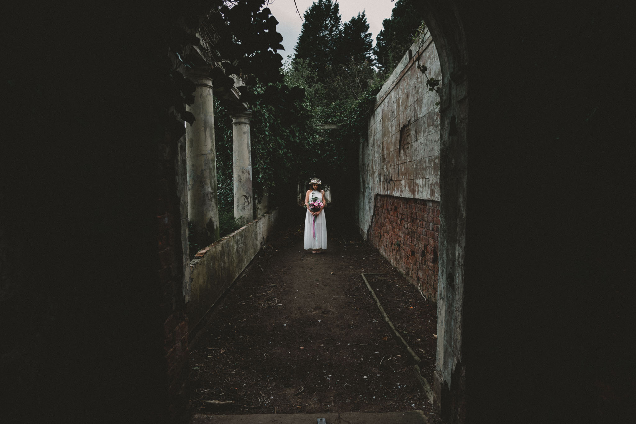 boho-free-spirited-bride-woodland-and-alternative-wedding-photography (34).jpg