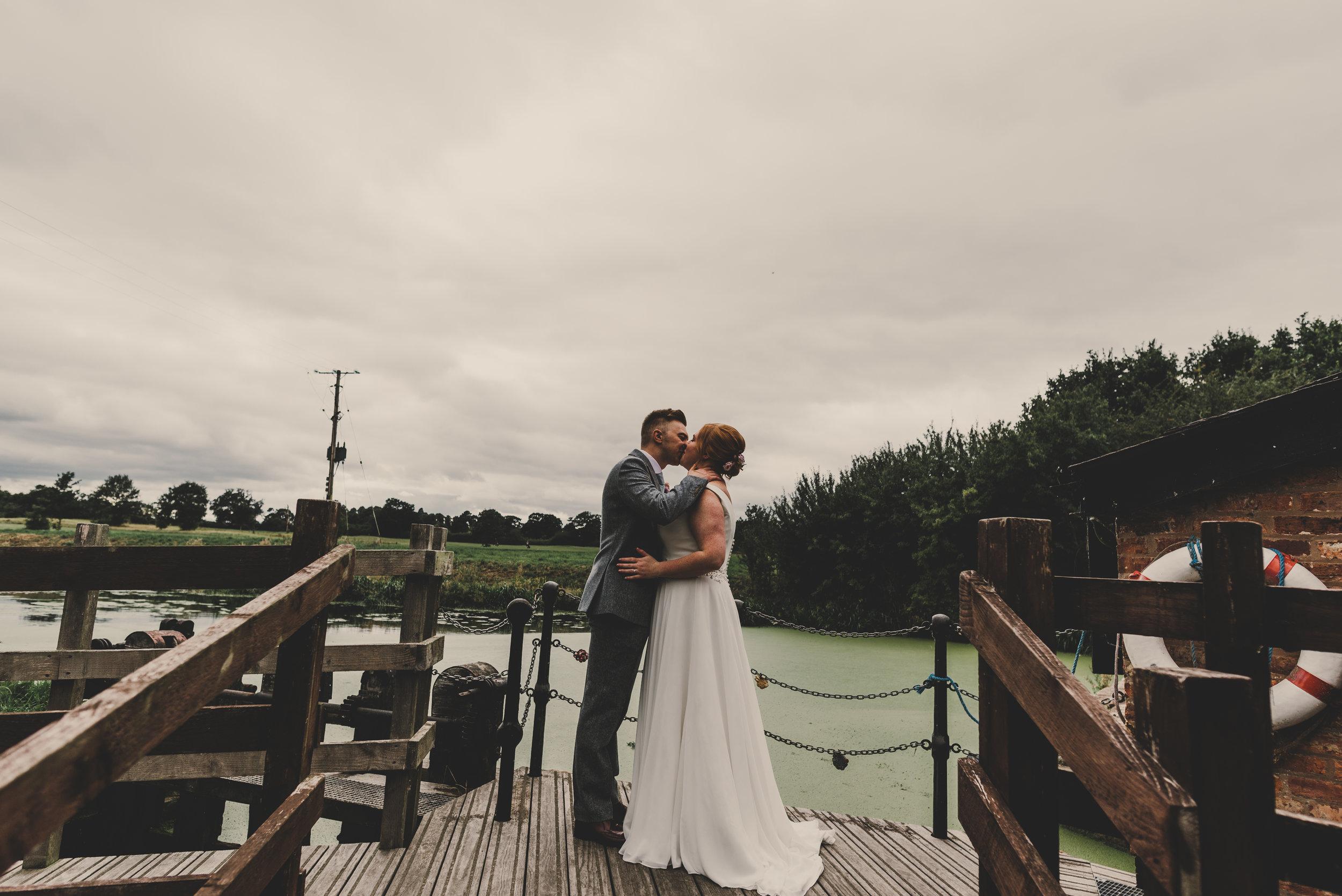 cheshire-alternative-wedding-photography-in-anglesey (5).jpg
