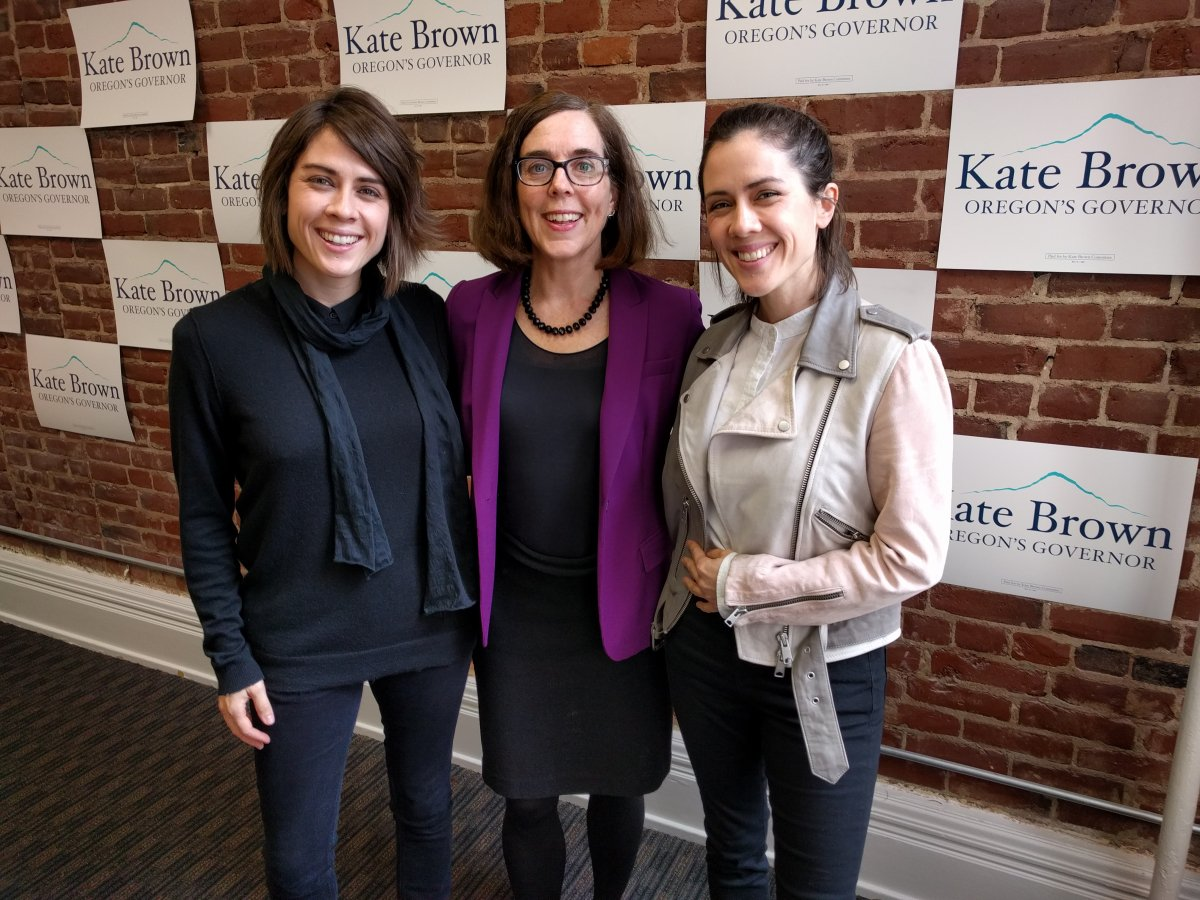 Tegan and Sara meet with Governor Kate Brown - the 1st LGBTQ female Governor
