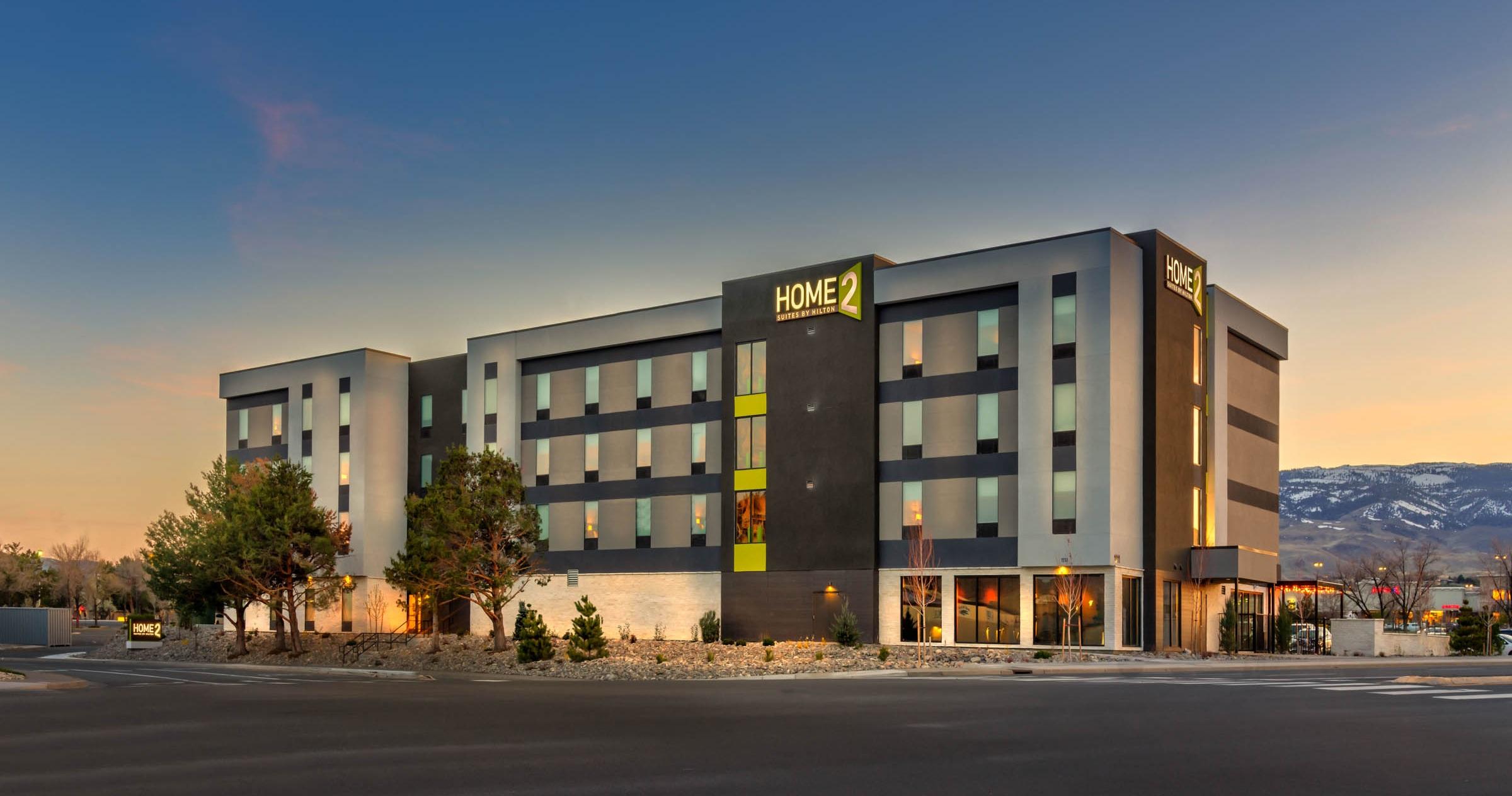 Home2-Reno-DesignCell-3.jpg