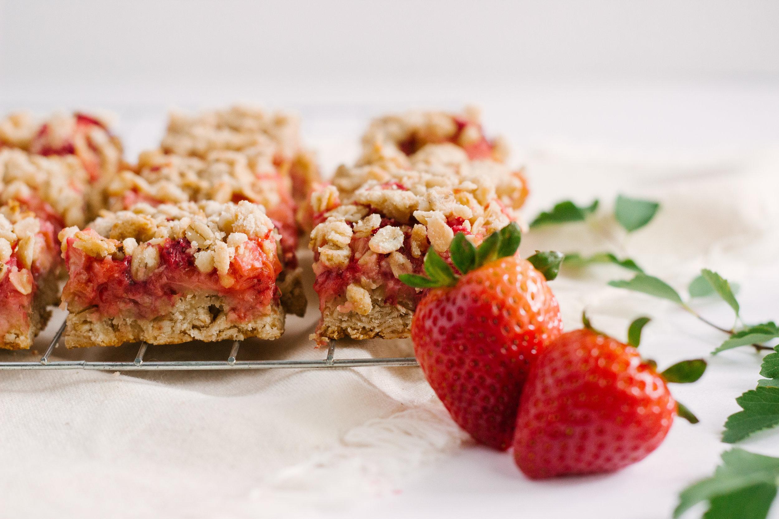 strawberry_rhubarb_bars-10.jpg