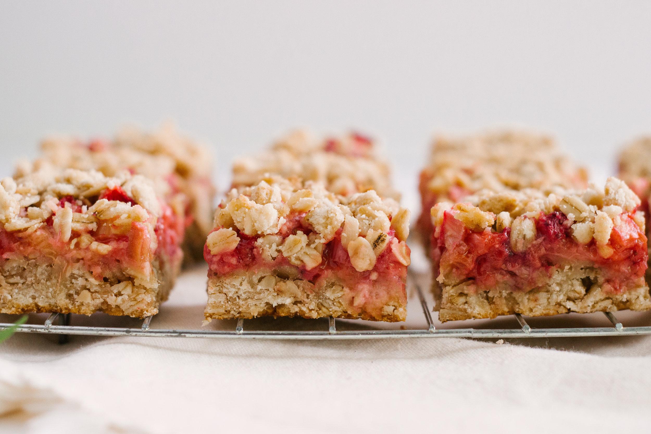 strawberry_rhubarb_bars-12.jpg