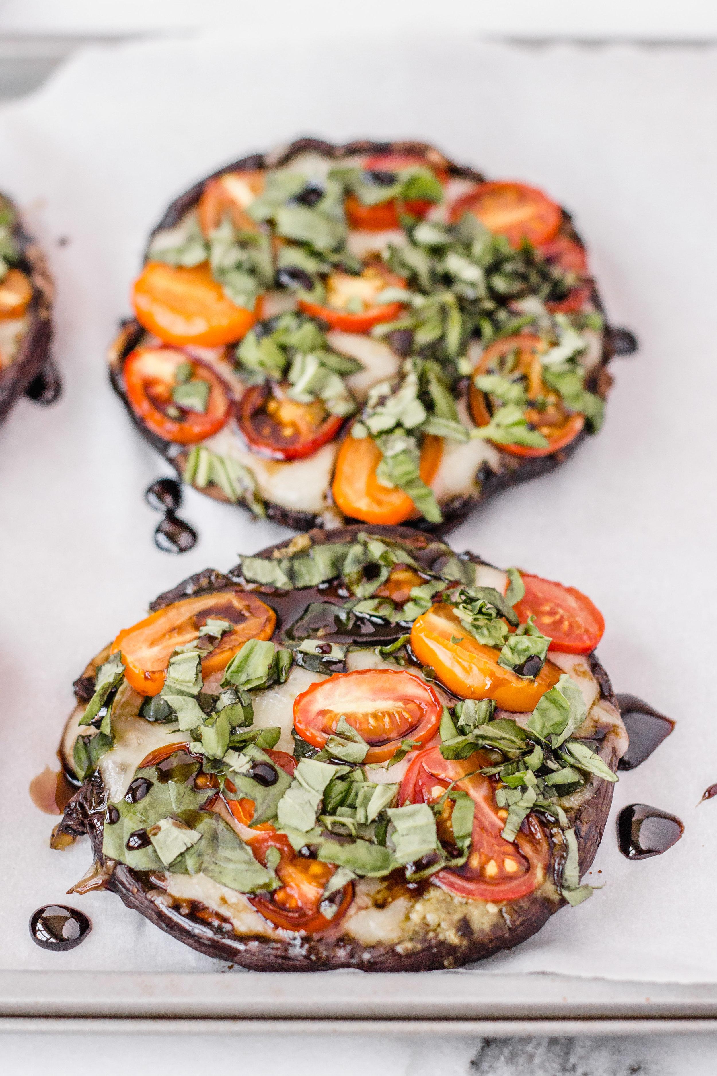 stuffed_portobella_mushroom_caprese_pizzas-3.jpg