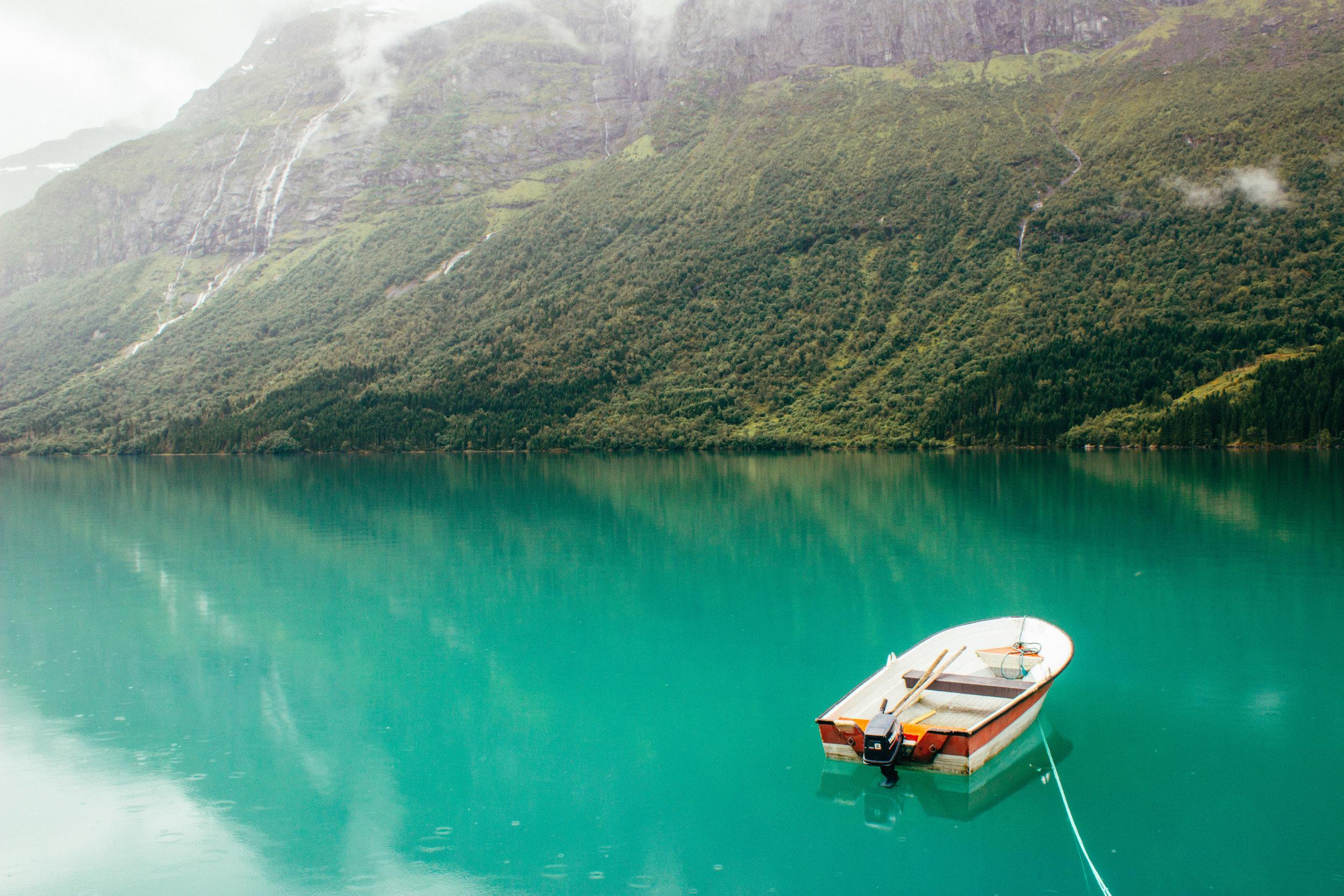 norway_lovatnet_lake-12.jpg