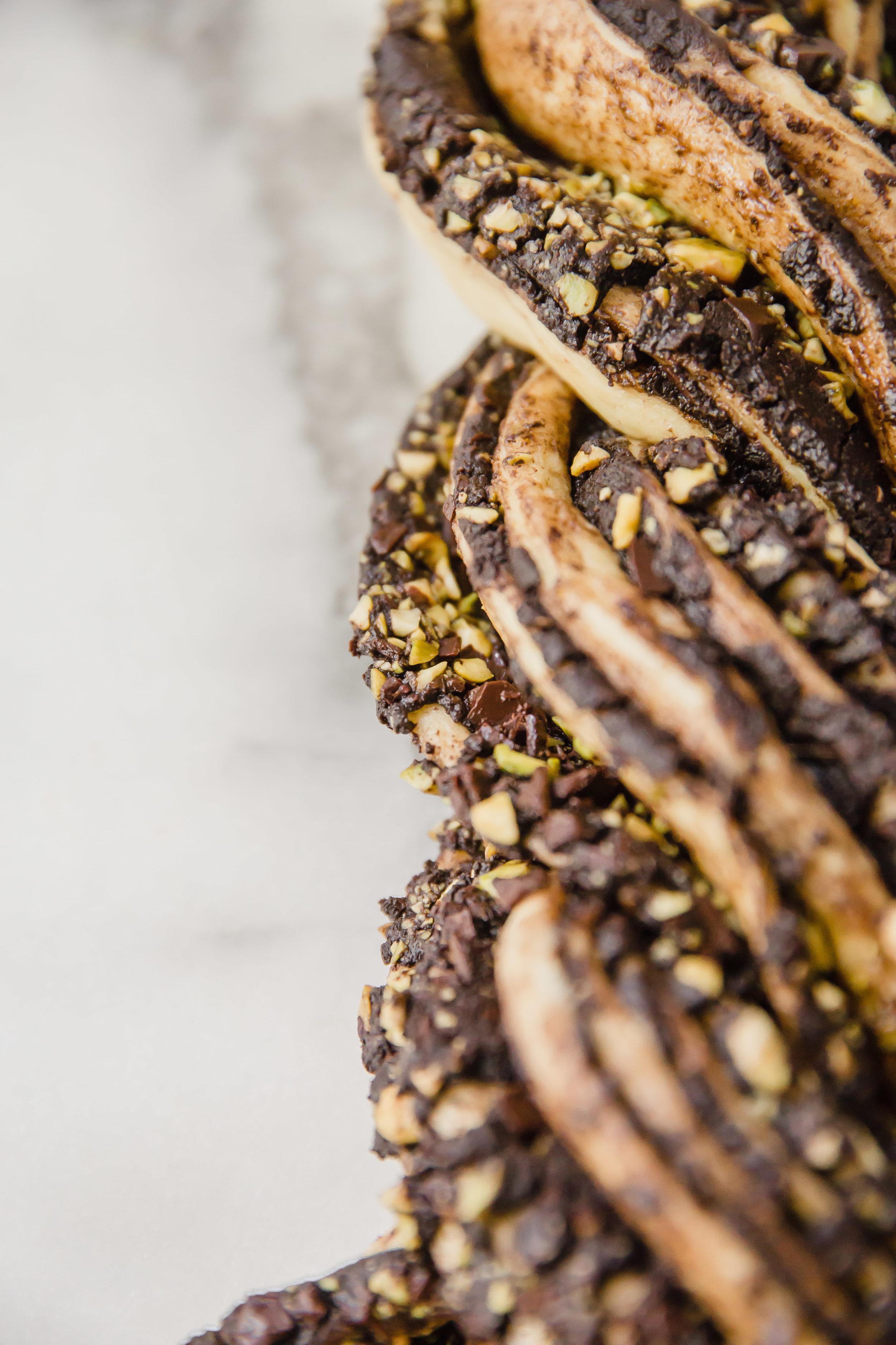 chocolate-pistachio-babka-9.jpg