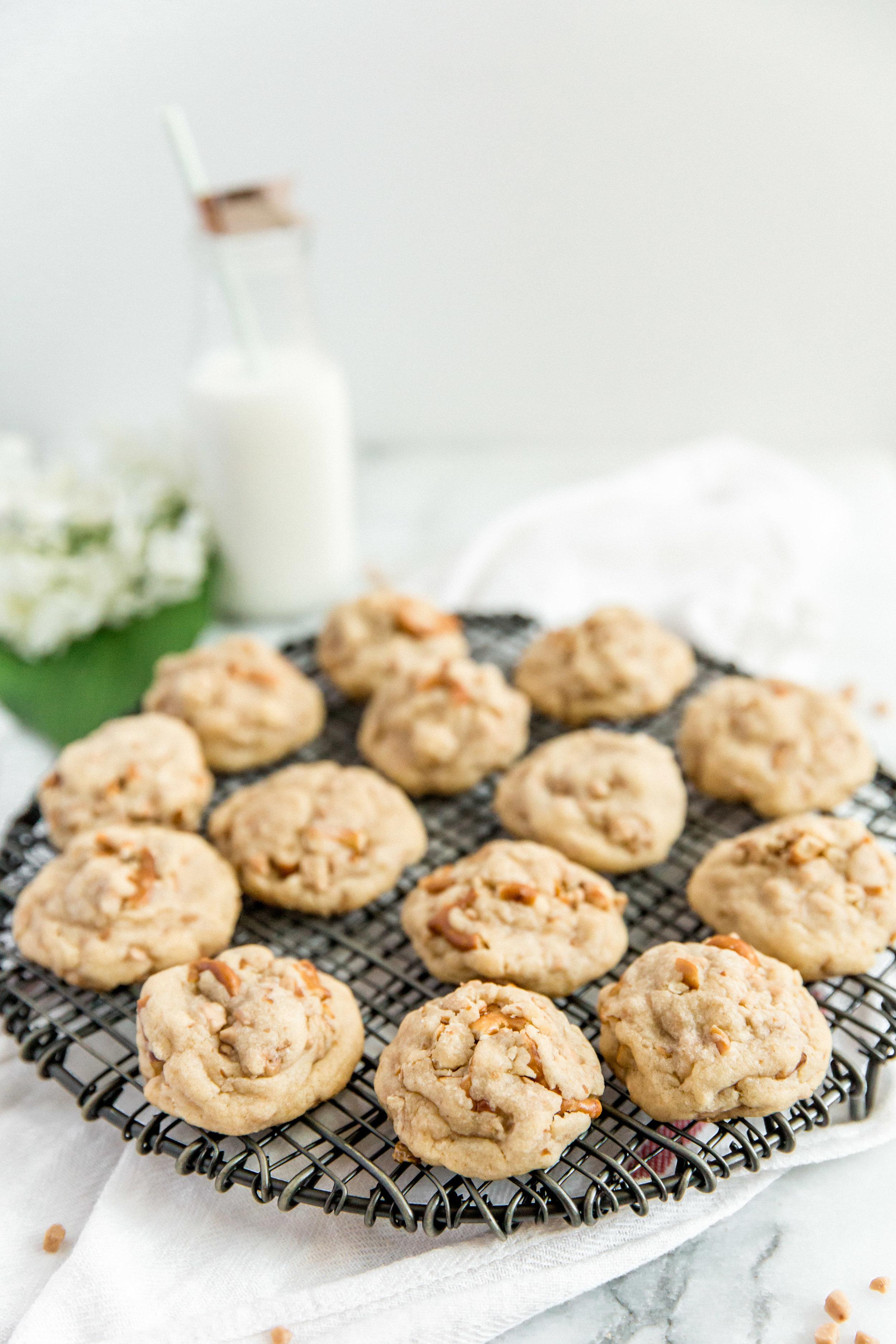 pretezel-english-toffee-cookies-2.jpg