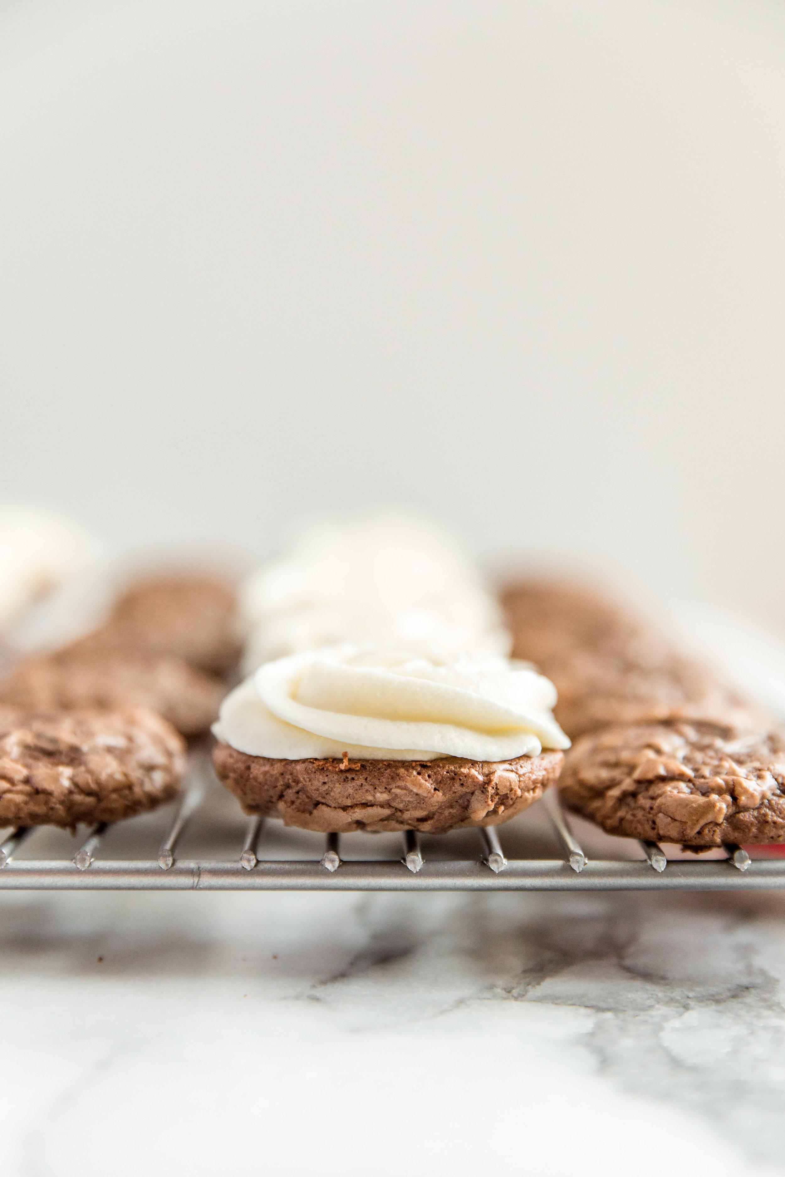 tiramisu-cookie-sandwiches-mascarpone-butter-filling-2.jpg
