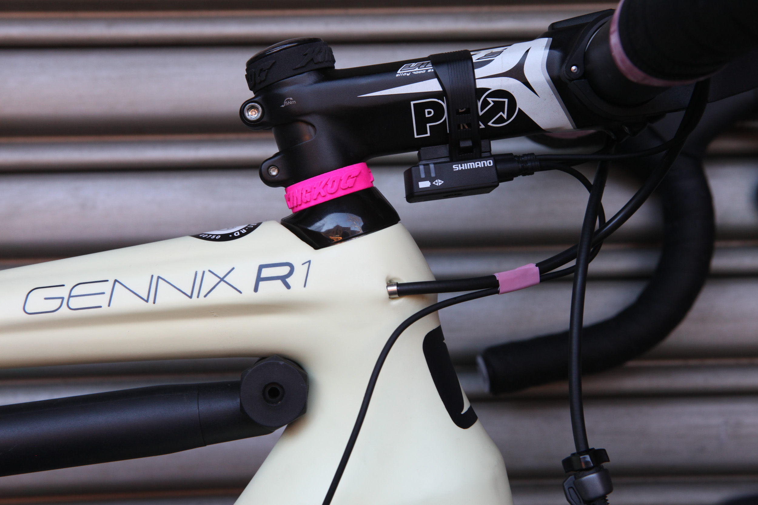 Garneau Gennix R1 Team Health Warrior-1001.jpg