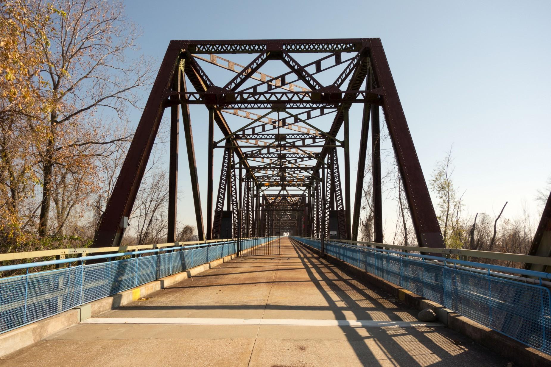 St-Louis-Bicycling-Riverview-Trail-30-1850x1233.jpg