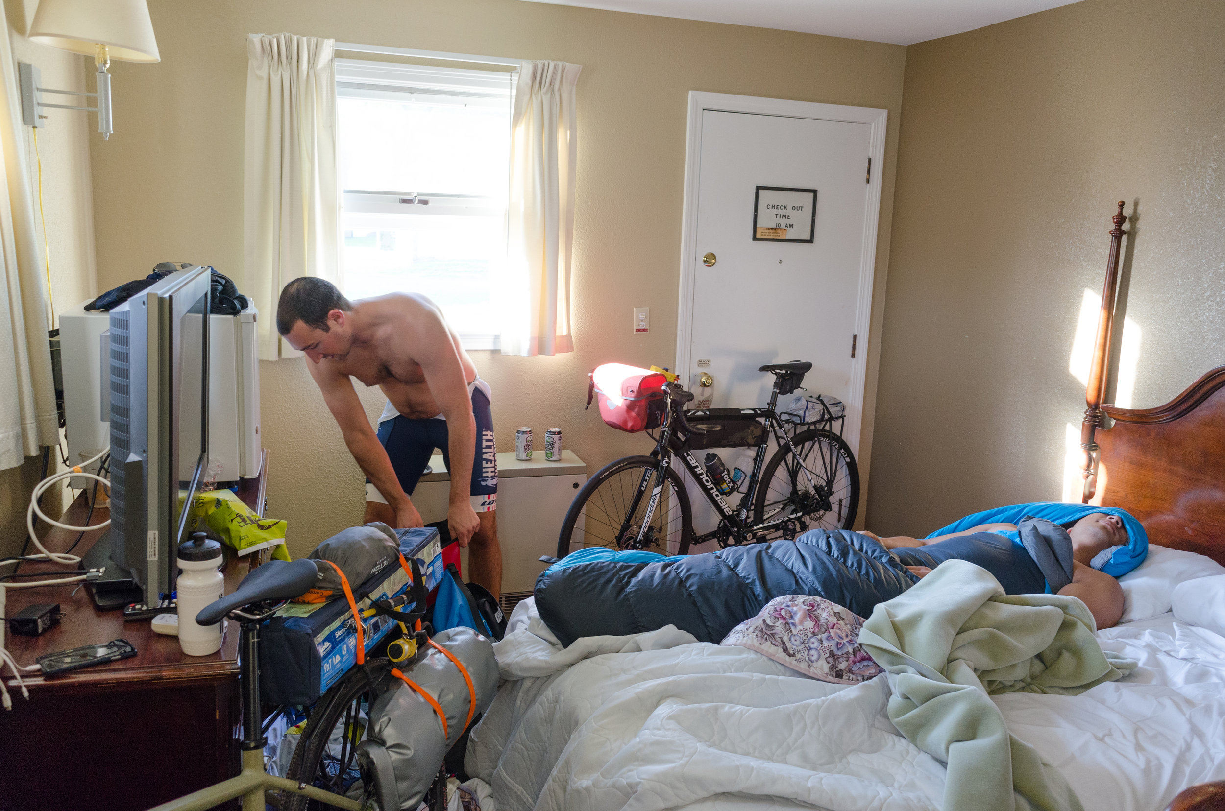 From there it was an early morning of preparing bikes for the task at hand in a very crowded motel bedroom.