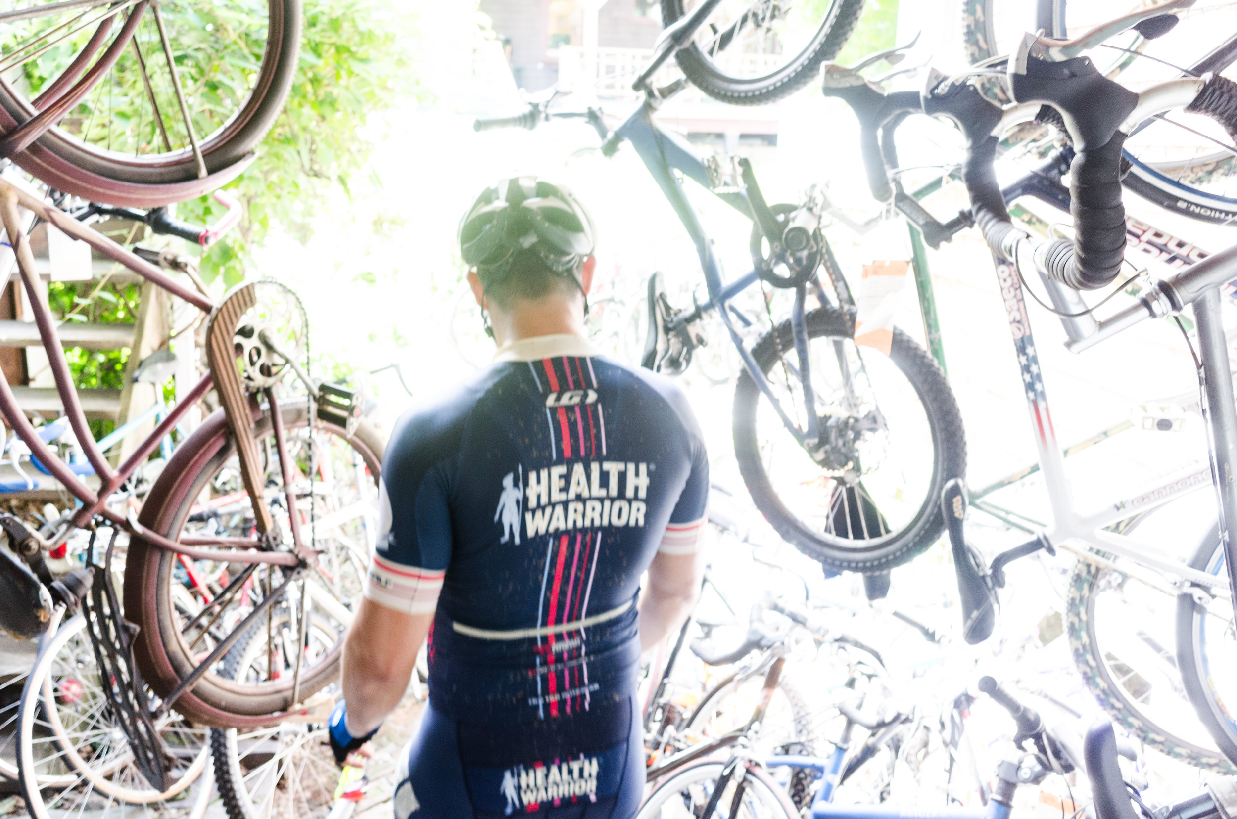 Unfortunately Simon was plagued with mechanical issues throughout the day - requiring a bike shop pitstop along the way.