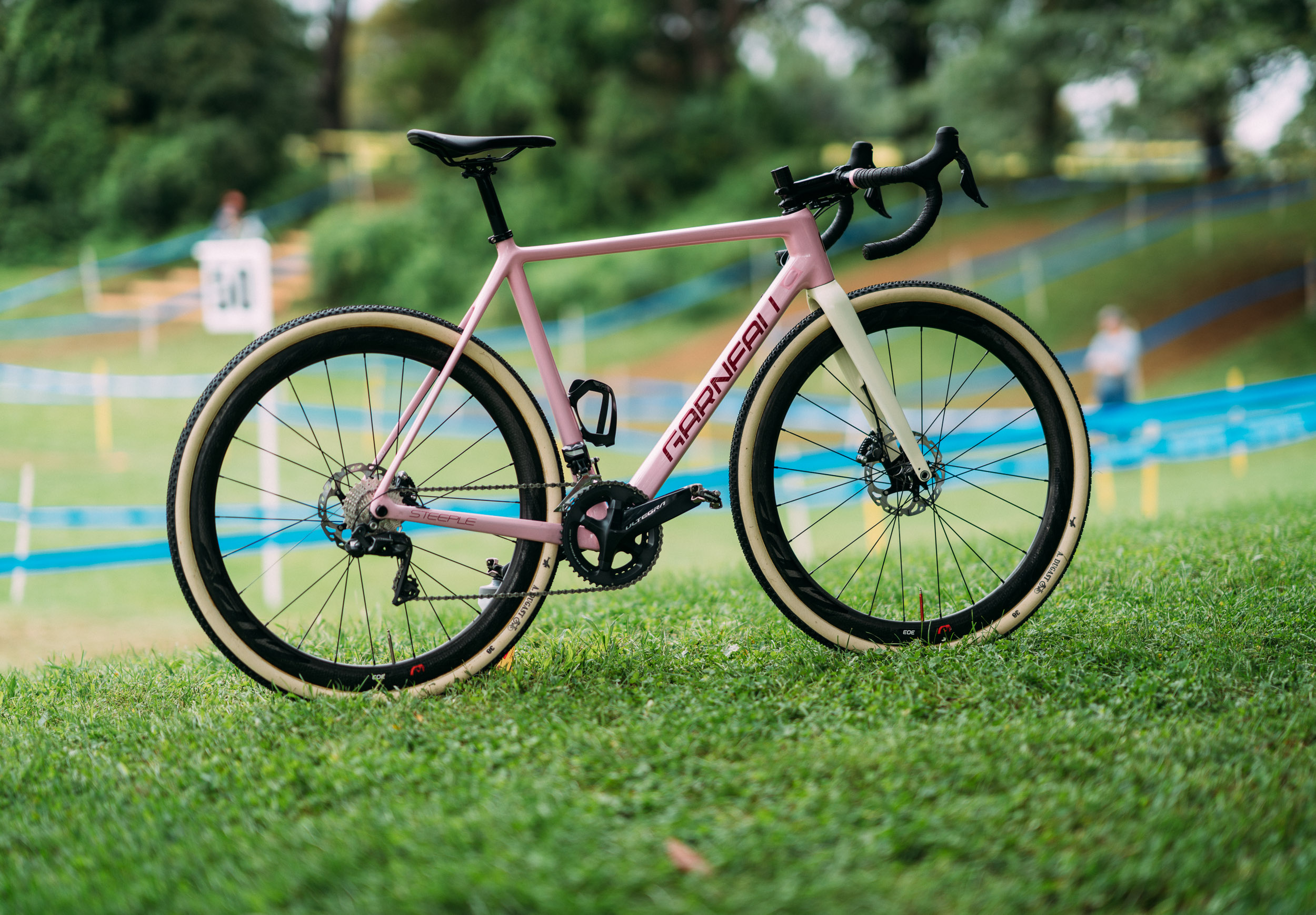 Clay's  pink Steeple went into action for the first time and the Dugast 38 tubulars served him well.