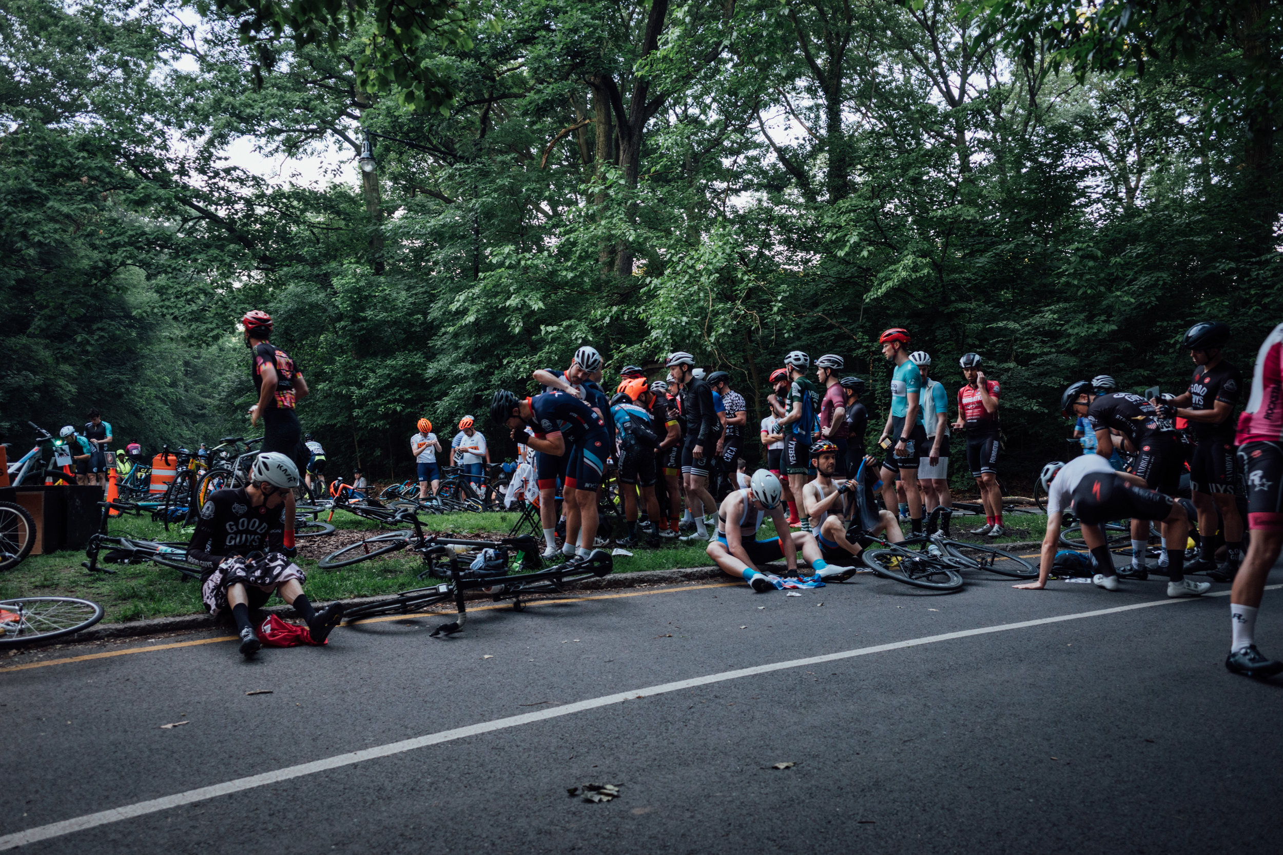 The usual early morning race scene in New York City.