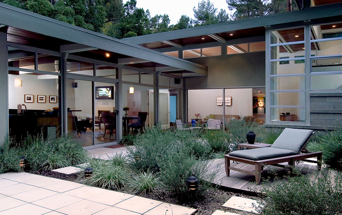 Mid-Century Residence's Courtyard