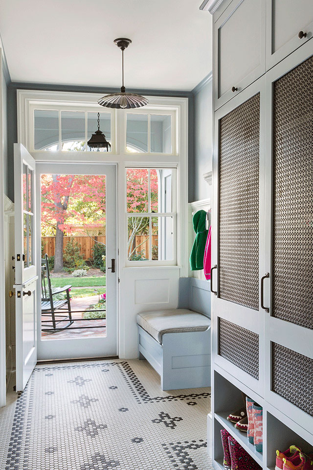 Mudroom-Traditional-Southern-Colonial-Revival-Home-in-Atherton-California-by-Tim-Barber-Ltd-Architecture-and-Artistic-Designs-for-Living-Tineke-Triggs.jpg