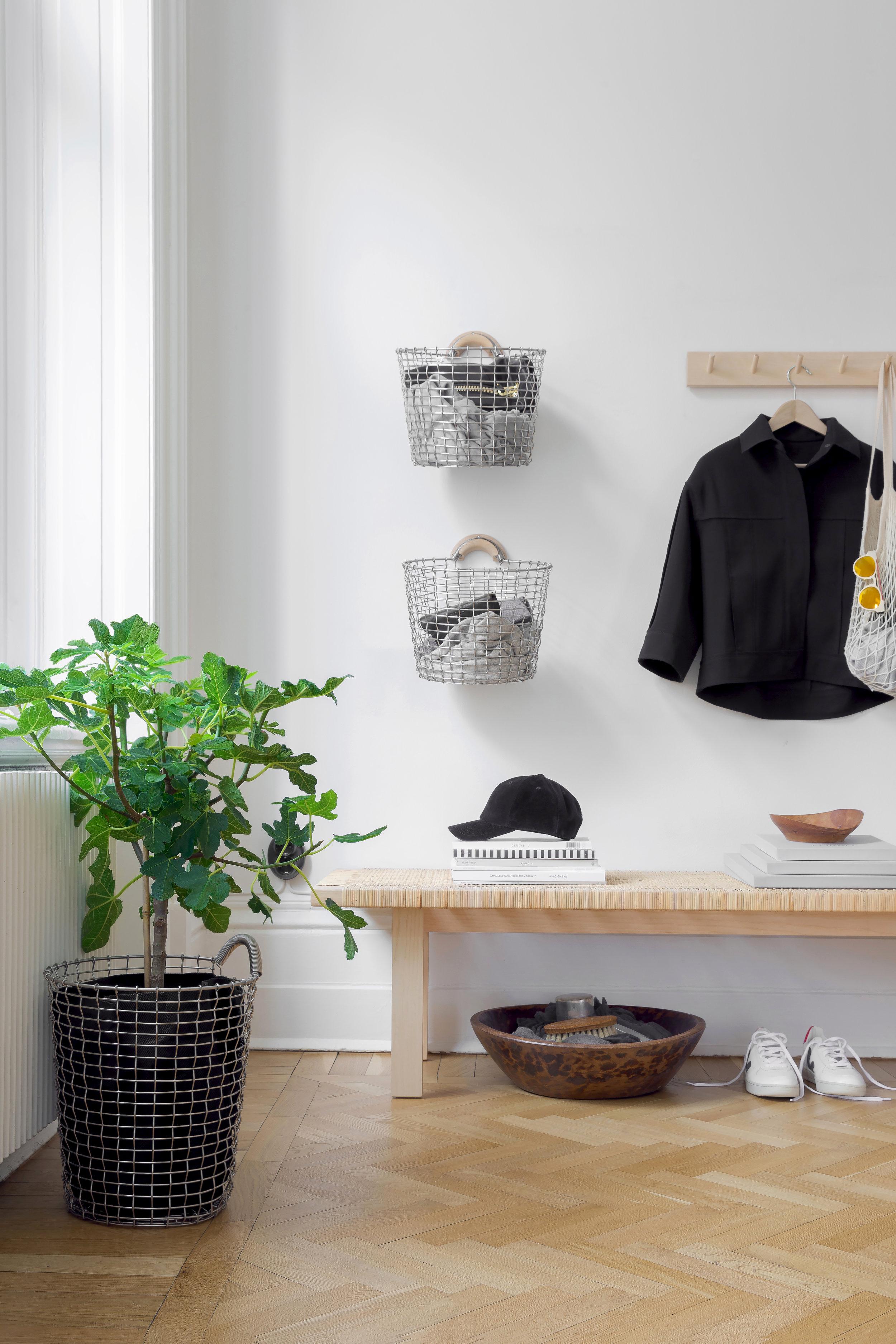 Hallway storage basket: Bin 16 & Bin hanger in Ash wood