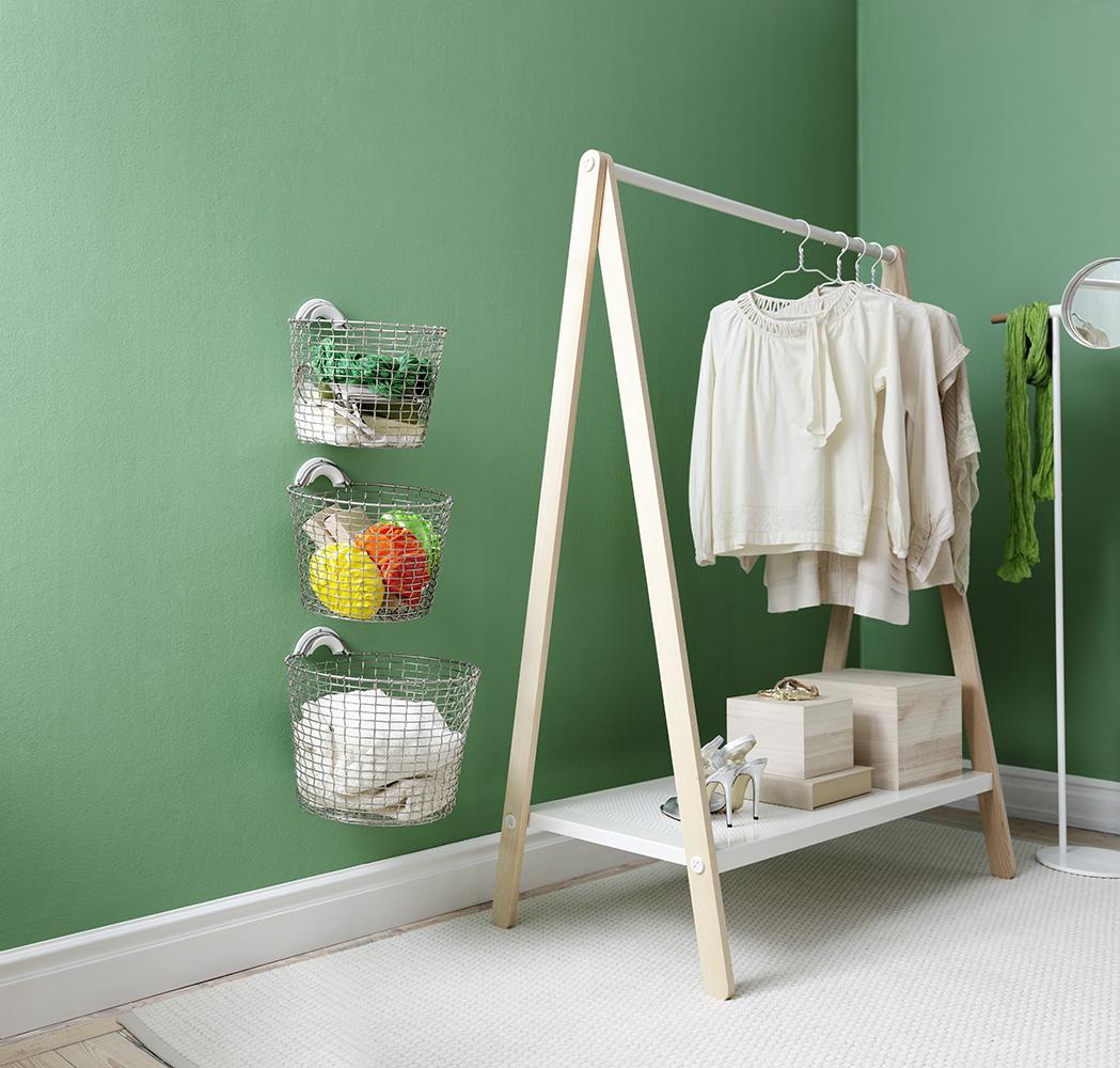 Wall mounted wallway basket Bin 16 and 24, with Bin hanger in Silver