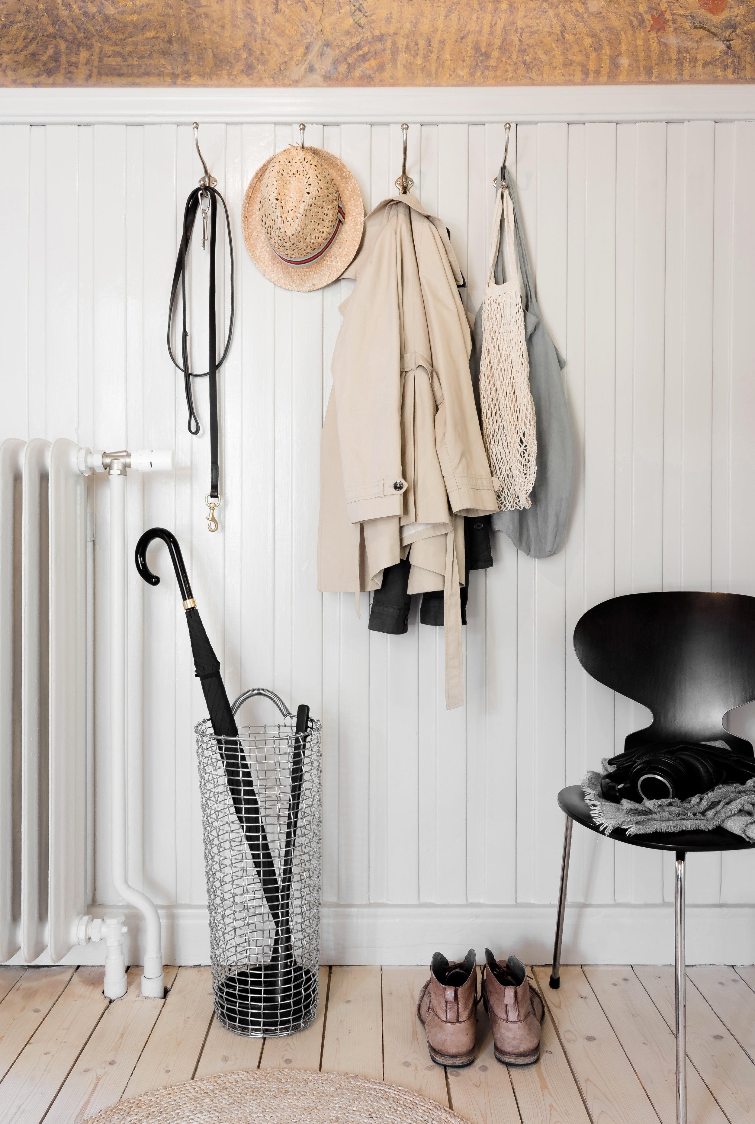 Hallway essentials with Korbo Umbrella Basket