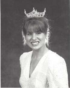 Liza Minini 1990.jpeg