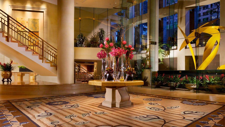 laxctr-omni-los-angeles-hotel-lobby-1.jpg
