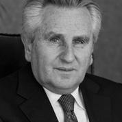 R. J. Wolson, Q.C..png