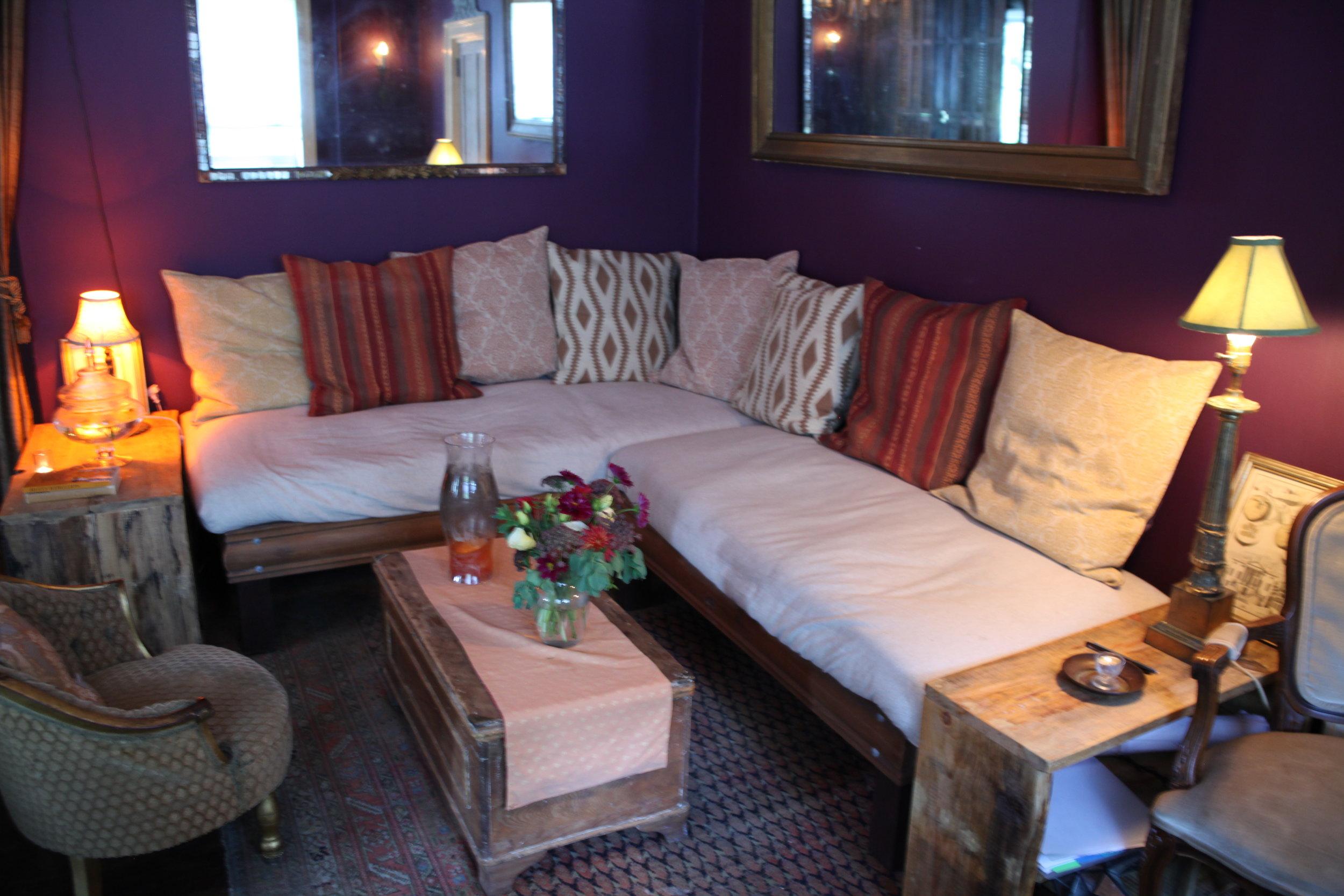 Shays Lounge