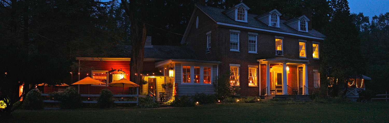 Race Brook Lodge's The Stagecoach Tavern at night