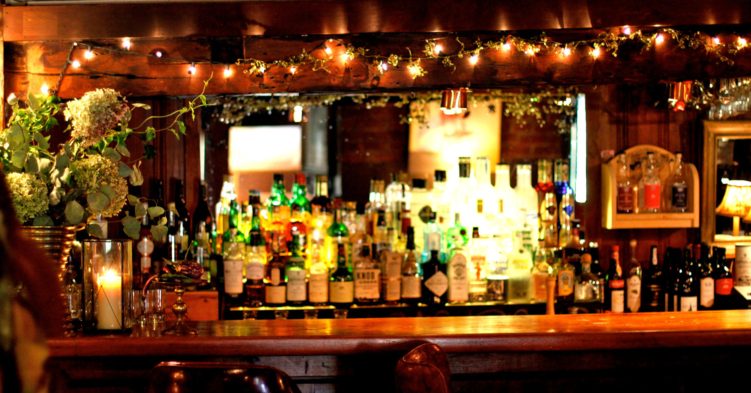 Fully stocked bar at The Stagecoach Tavern