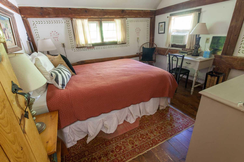 Room 12, Taconic