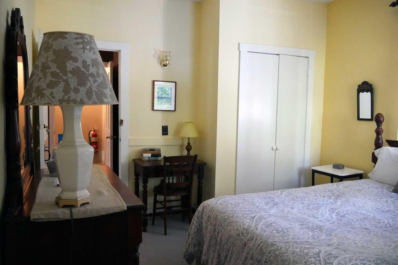 Room 24, Surrey Fringe